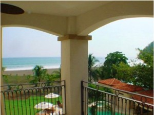 Tres Regalos Jaco Beachfront Condos